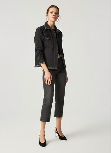 Monamoda Yakası ve Eteği Taşlı Jean Ceket Siyah